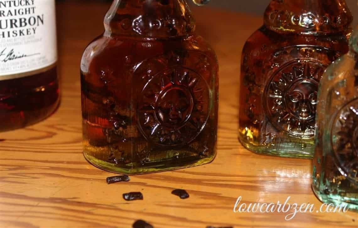 How to Make Homemade Vanilla Extract from @lowcarbzen